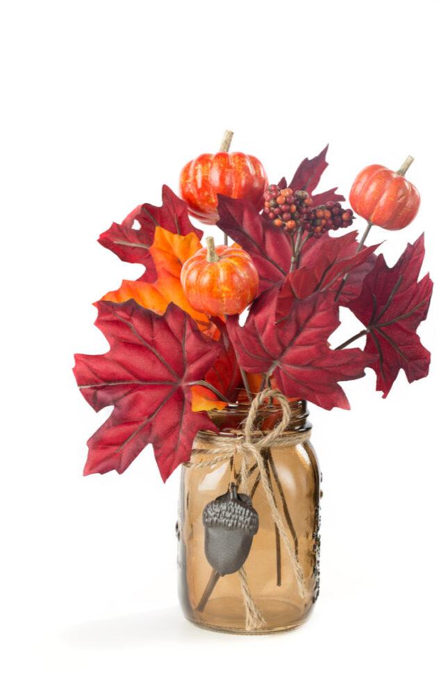 Mason jars make the cutest DIY vases. Here are 20 spellbinding fall mason jar crafts DIY ideas!