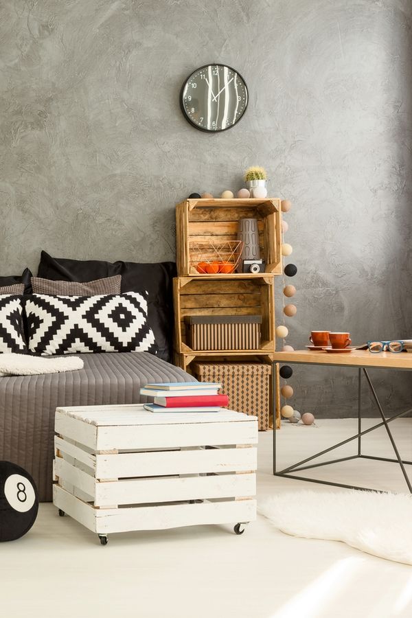 Do you love amazing rustic home DIYs? If you do, you will love these ideas! Nothing says rustic quite like a wooden crate. They are so easy to make and totally transform spaces.