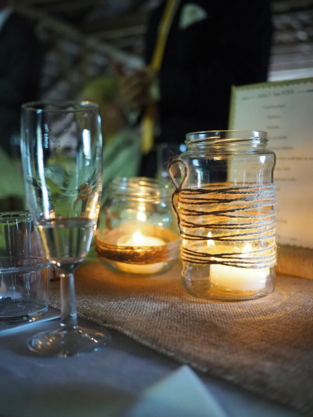 Use mason jars this fall with tea lights for cute centerpieces. Here are 20 spellbinding fall mason jar crafts DIY ideas!