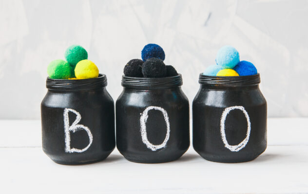 """These """"BOO"""" mason jars are so cute and are so easy to make! Here are 20 spellbinding fall mason jar crafts DIY ideas!"""