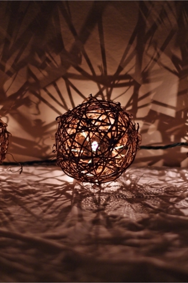 Do you love amazing rustic home DIYs? If you do, you will love these ideas! These twine lights are so cute and can solve any lighting issue inside or outside of your home.