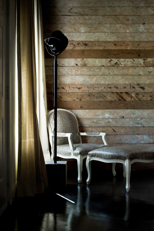 Decorating With Distressed Wood Is Easy-Here's How! DIY Home, DIY Home Decor, Distressed Wood, How to Decorate With Destressed Wood, DIY Home Improvement, DIY Home Decor Ideas, Home Decor Hacks, DIY Home