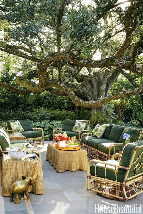 Out-of-This-World Outdoor Furniture Inspirations. Outdoor Furniture, Patio Furniture Inspiration, DIY Outdoor, Outdoor Living, Outdoor Design, Landscape Design.