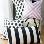 No-Sew Pillow Projects to Perk Up Your Living Space| No Sew Pillow Projects, No Sew Projects, Pillow Projects, DIY Pillow Projects, DIY Home, DIY Home Decor, DIY Home Decor Hacks, Sewing Projects, Fast Sewing Projects