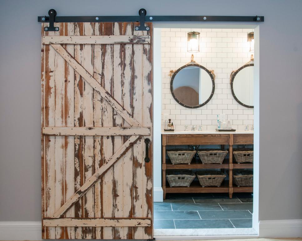 10 Ways to Decorate With Reclaimed Wood| Decorating with Reclaimed Wood, Reclaimed Wood Hacks, DIY Reclaimed Wood, Things to Do With Reclaimed Wood, Reclaimed Wood Decor Ideas, Popular