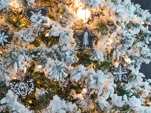 10 Terrific Tree Trimmings  Christmas Tree, Christmas Tree Trimmings, Holiday Decor, Holiday Decor Ideas, DIY Christmas, DIY Christmas Decor, Holiday Home Decor #Holiday #Christmas #ChristmasDecor