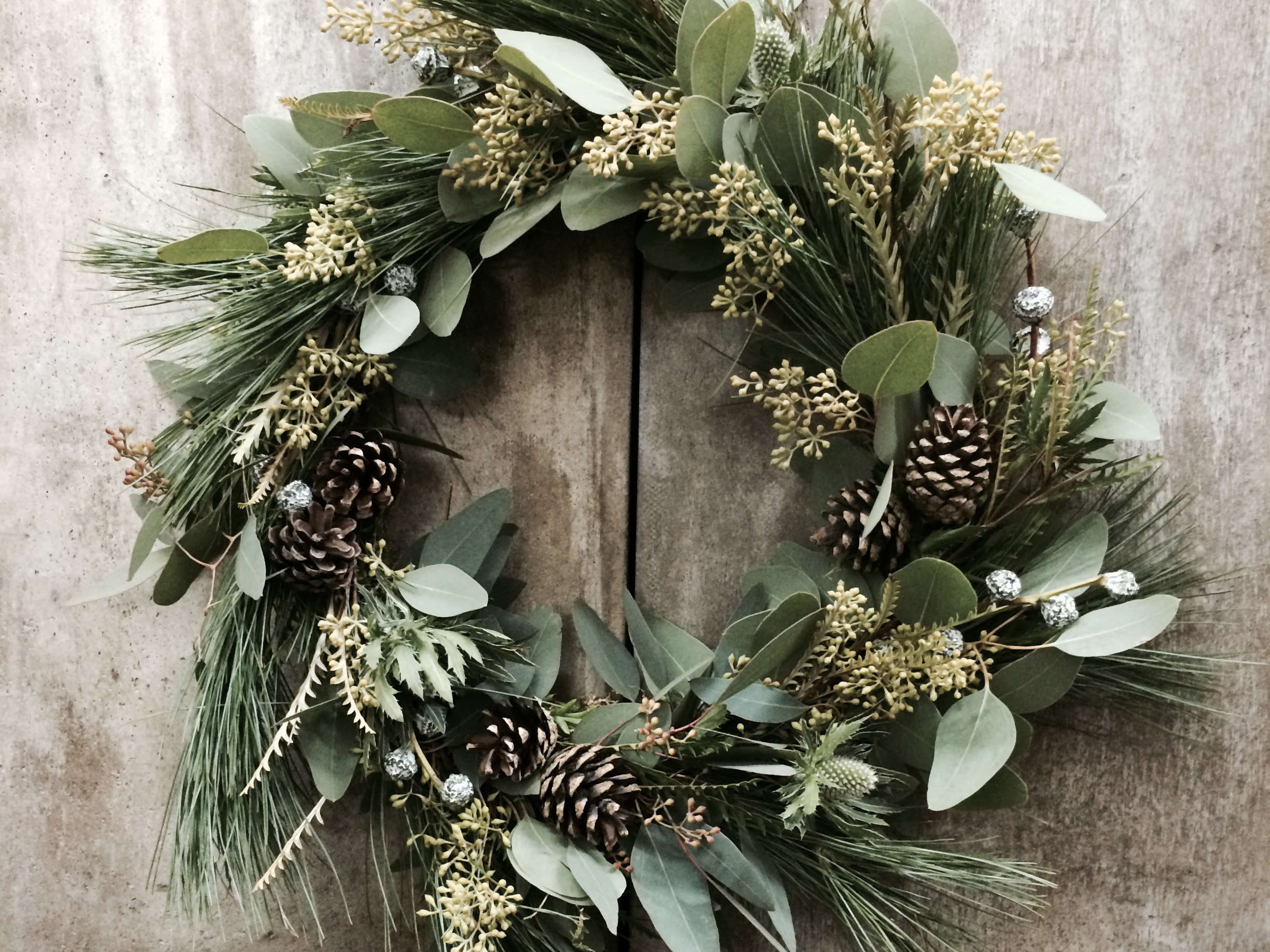 How to Make a Holiday Wreath {With Real Greenery!}  Holiday Wreath, DIY Holiday, Porch Decor, DIY Holiday Wreath, Christmas, Christmas Decor, Holiday Home #Christmas #Holiday #DIYHoliday