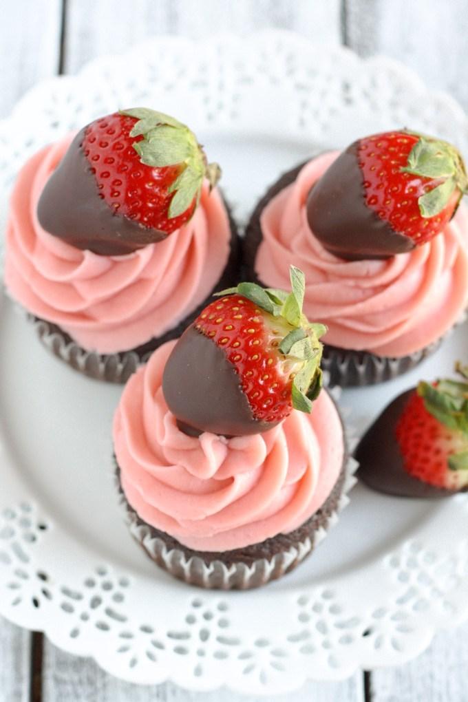 12 Delicious Desserts for Valentines Day| Desserts, Holiday Dessert Recipes, Holiday Eats, Holiday Food, Valentines Day Recipes, Recipes, Easy Recipes, Easy Dessert Recipes, Popular Pin #ValentinesDay #Desserts