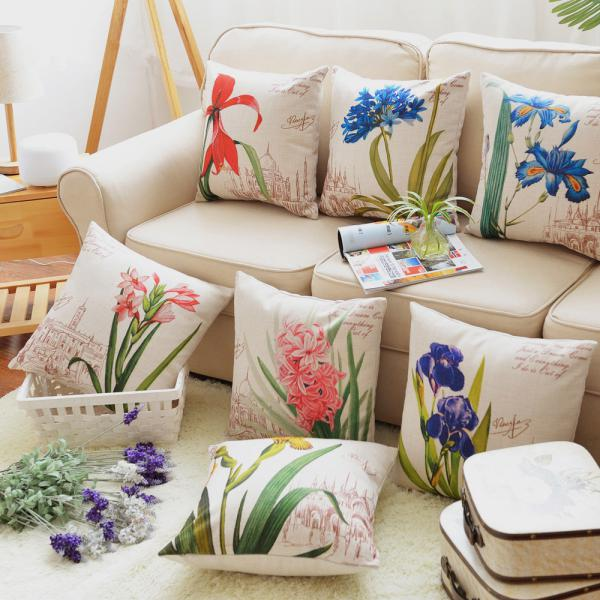 Paint Your Pillows–Flawlessly!  DIY Home, DIY Pillows, DIY Home Pillows, Home Decor, Home Decor Hacks, Pillows for Your Home, DIY Home Decor, Crafts for the Home #DIYHome #HomeDecor #DIYPillows
