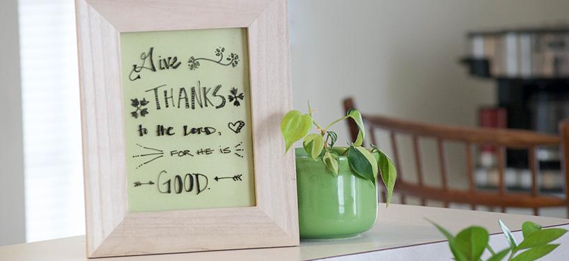 DIY Your Own Dry Erase Board  DIY, DIY Home, DIY Home Projects, Dry Erase Board, DIY Dry Erase Board, DIY Tutorials, Easy DIY Tutorials, Simple Tutorials for the Home, Popular Pin #DIYHome #DIYDryEraseBoard