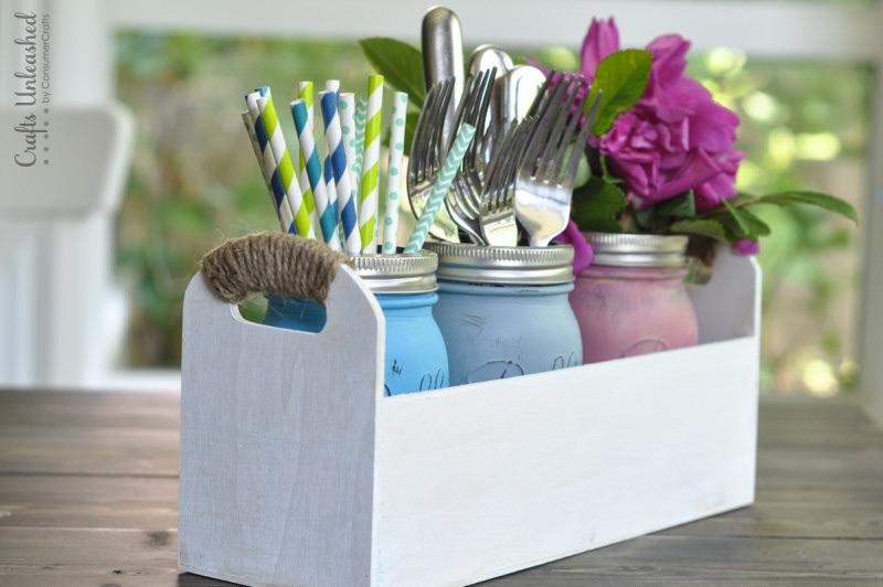 Make Your Own Mason Jar Organizer  Mason Jar Crafts, Mason Jar Ideas, Mason Jar Craft Ideas, Organizer DIY, Organizer Ideas #MasonJarCrafts #OrganizerDIY #MasonJarDIY #OrganizerIdeas