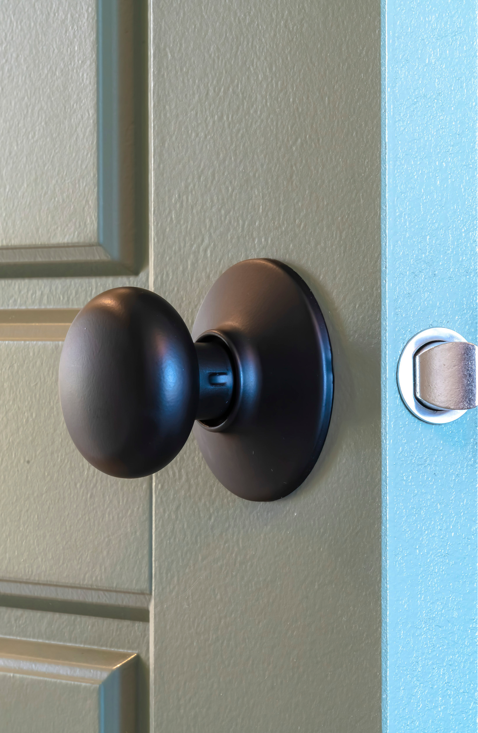 Home upgrades on a budget are possible! You would be amazed at how much doorknobs can change your home. Take your old brass ones and spray paint them black!