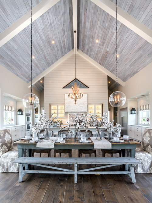 Farmhouse Chic Decor in a Modern Farmhouse Dining Room