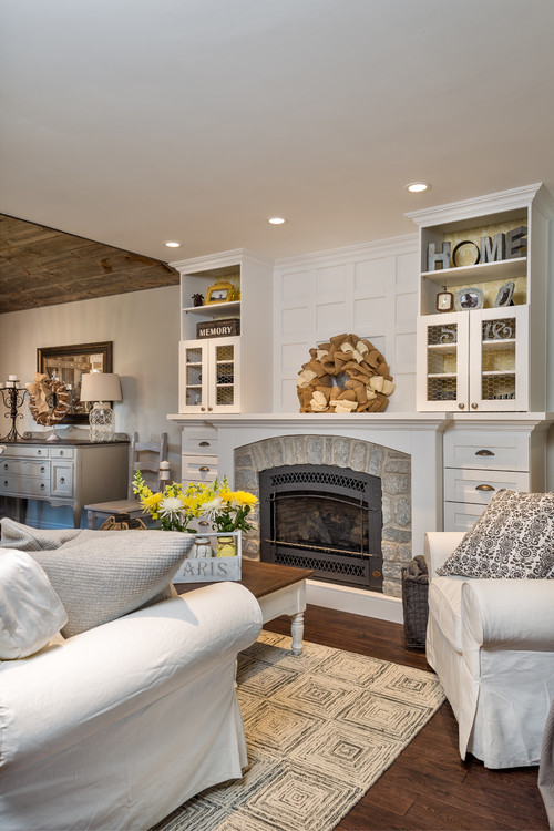 Shabby Chic Farmhouse Style Living Room - 10 Modern Farmhouse Style Living Rooms