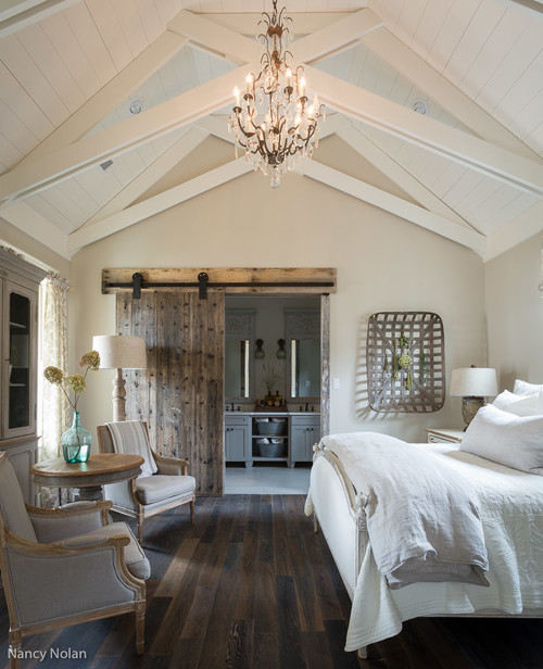 Farmhouse Style Bedroom Decor Ideas: Reclaimed Wood Sliding Barn Door