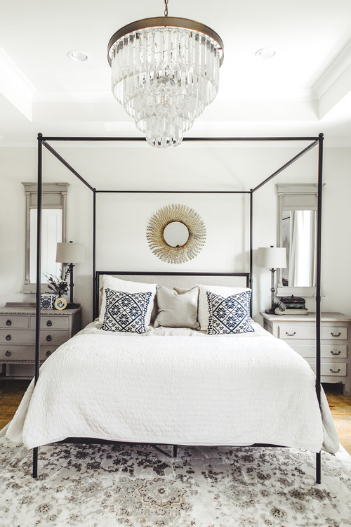 Modern Farmhouse Decor with Classic Style: Metal Canopy Bed