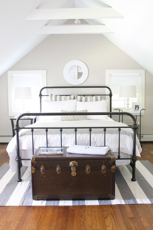 Modern Farmhouse Decor with Classic Style: Wrought Iron Bed