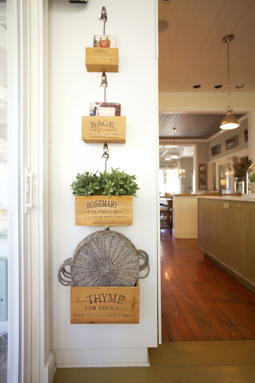 Modern Farmhouse Decor with Classic Style: Repurposed Crates