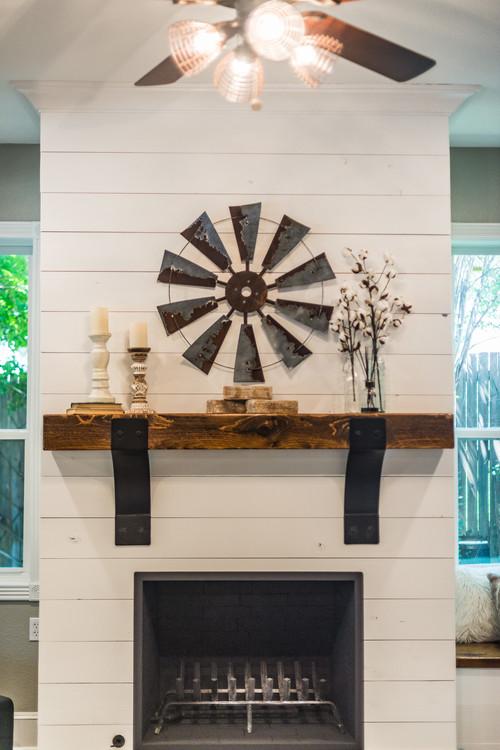 Modern Farmhouse Shiplap Fireplace