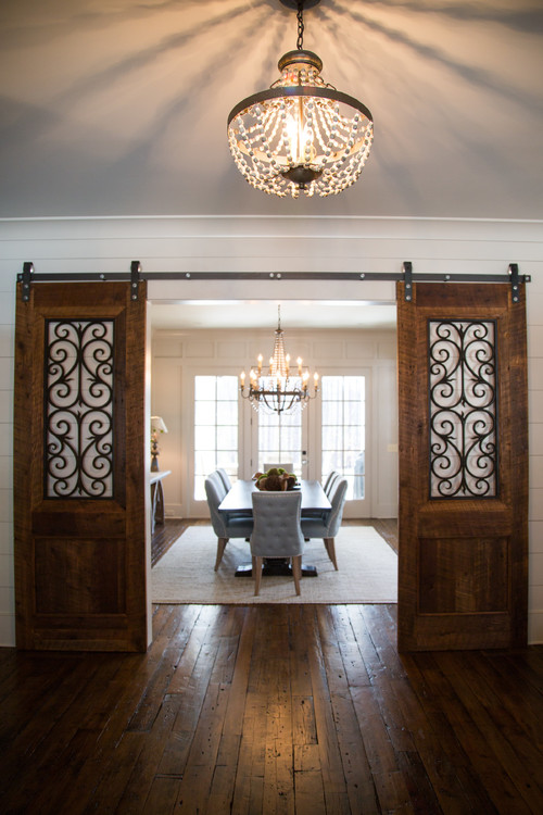 Modern Farmhouse Decor with Classic Style: Stylish Sliding Barn Doors