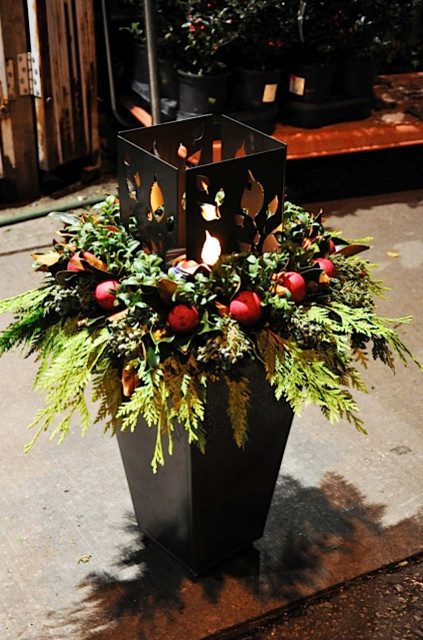 Outdoor Christmas Planters for your Winter Porch