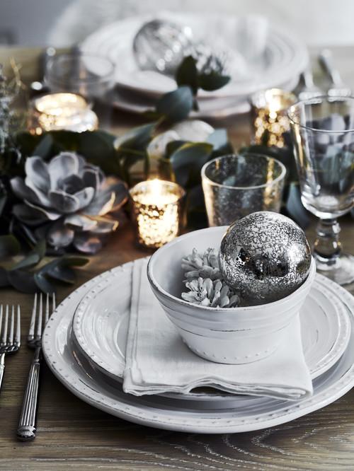 Scandinavian Christmas Table Setting