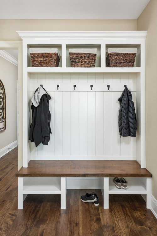 Modern Farmhouse Mudroom Hall Tree with Bench, Hooks and Cubbies #modernfarmhouse