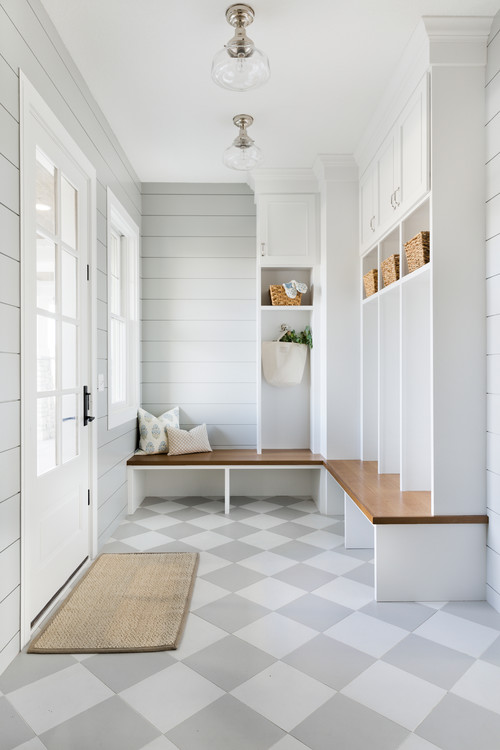 Modern Farmhouse Mudroom with Shiplap Walls, Benches and Cubbies #modernfarmhouse