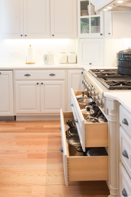 Modern Farmhouse Kitchen Organization: Drawers for Pots and Pans