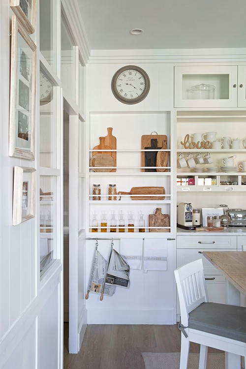 Modern Farmhouse Kitchen Organization: Wall Rack for Cutting Boards