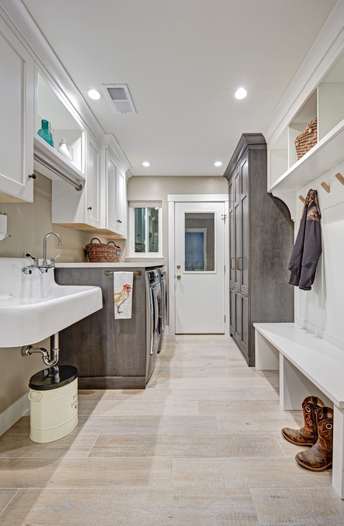Modern Farmhouse Laundry Room and Mudroom - Modern Farmhouse Laundry Room Ideas