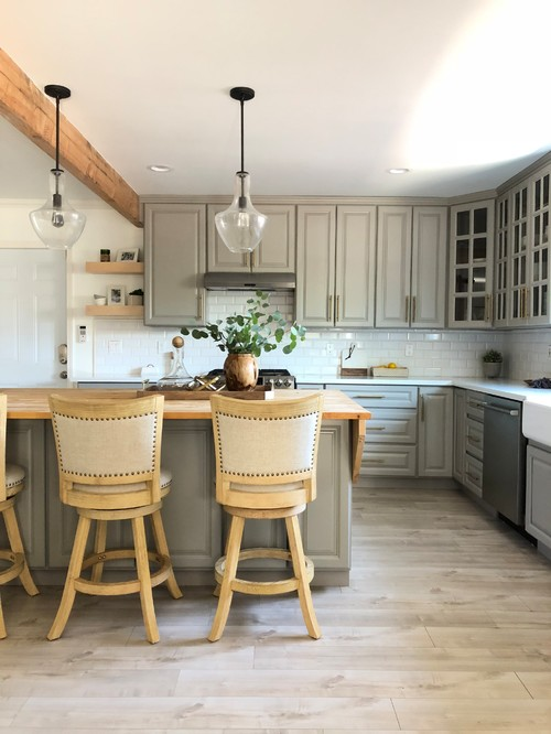 Neutral Modern Farmhouse Kitchen with Gray Cabinets and Gray Kitchen Island