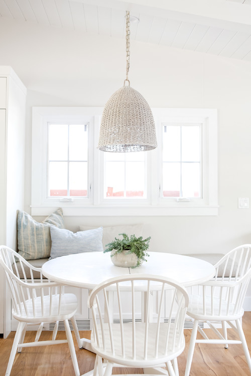 Built-in Breakfast Nook Banquette in White