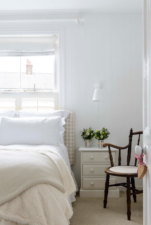 Modern Farmhouse Bedroom with White and Beige Bedding