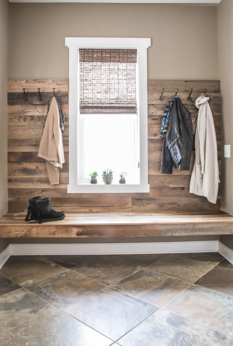 Modern Farmhouse Reclaimed Wood Entrance Wall and Bench