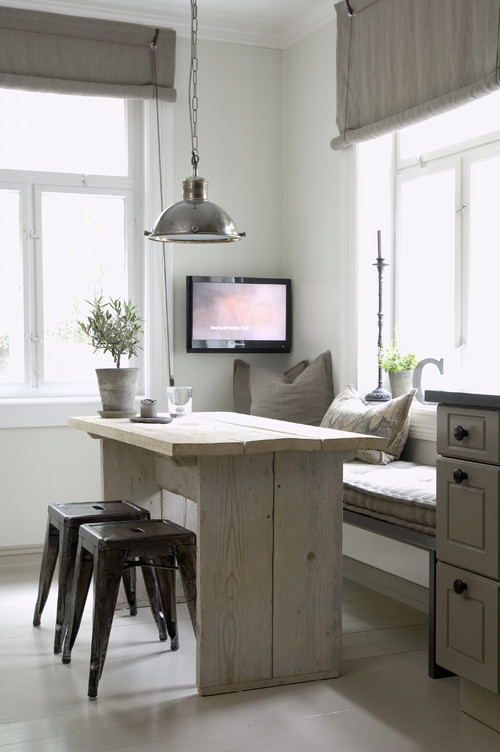 Modern Farmhouse Reclaimed Wood Kitchen Banquette Table
