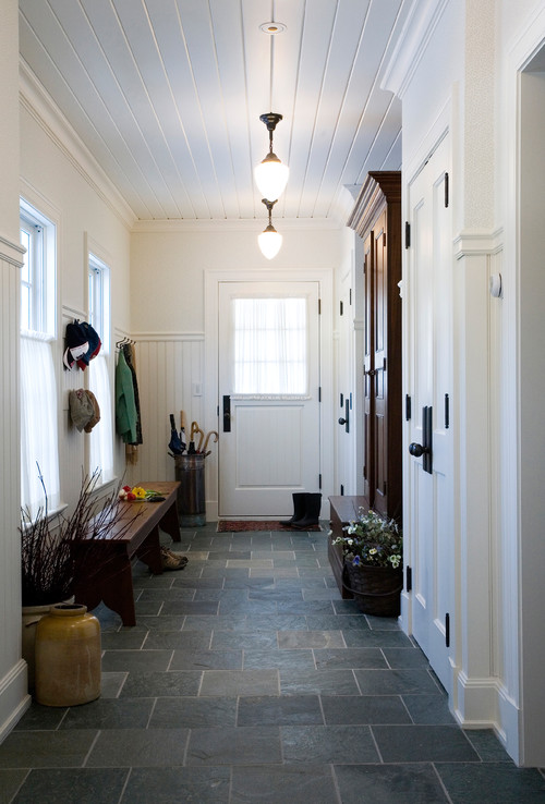 Modern Farmhouse Entryway with Armoire Bench