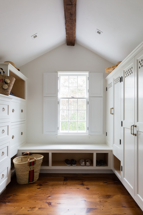 Modern Farmhouse Entryway with Built-in Bench and Storage