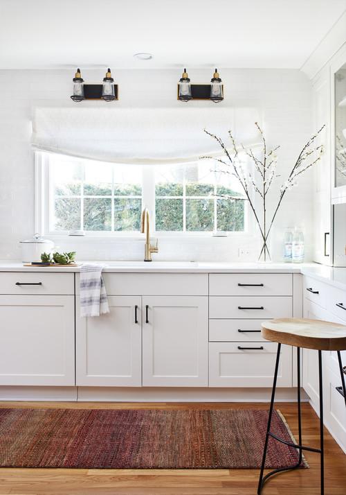 Modern Farmhouse White Kitchen Sink Area