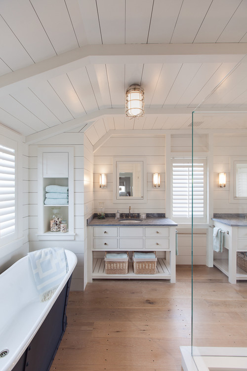 Modern Farmhouse Bathroom with Shiplap Walls and Ceiling