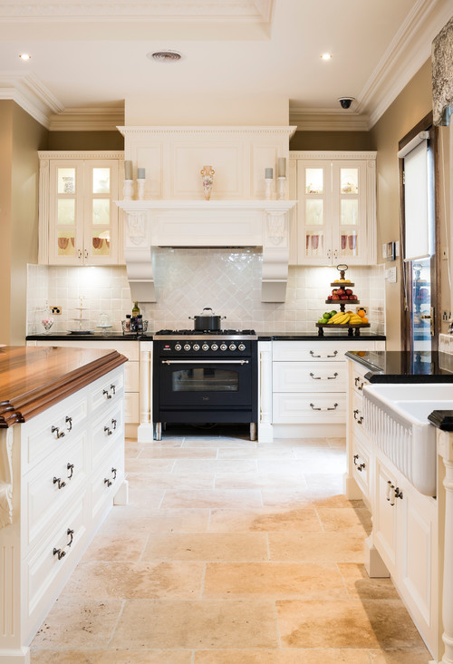 Modern Farmhouse Kitchen with Lighted Cabinets