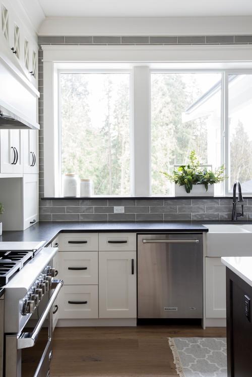 Modern Farmhouse Black And White Kitchen Ideas Pickled Barrel