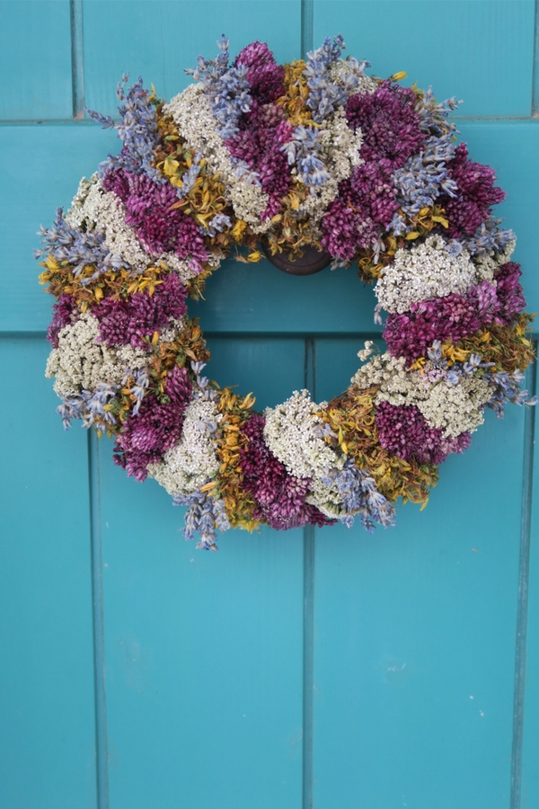 summer front door wreaths | home decor | wreaths | summer wreaths | decor | porch decor | summer porch decor | summer wreath ideas