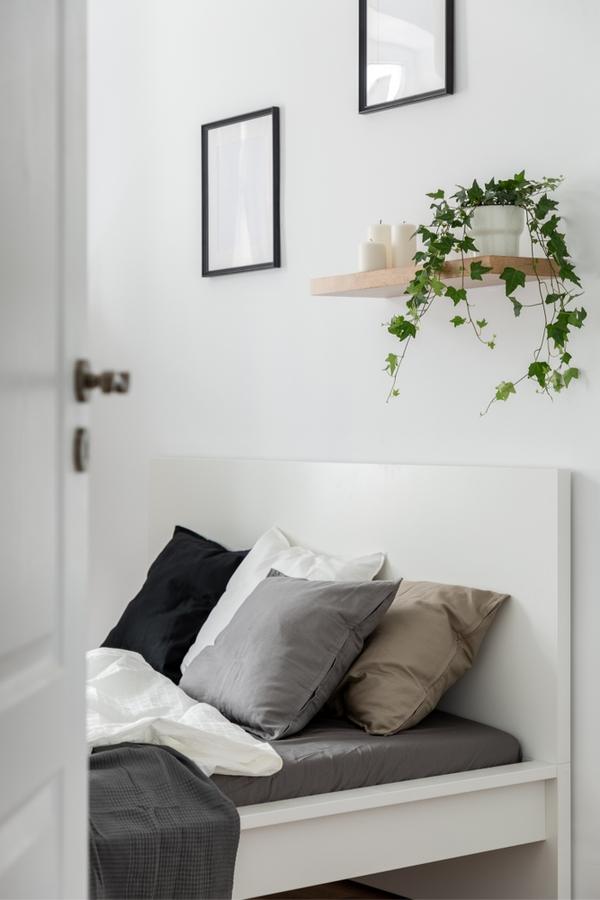 How To Decorate A Shelf | farmhouse style | home decor ideas | how to | farmhouse | farmhouse decor | decor | home decor | shelf decor
