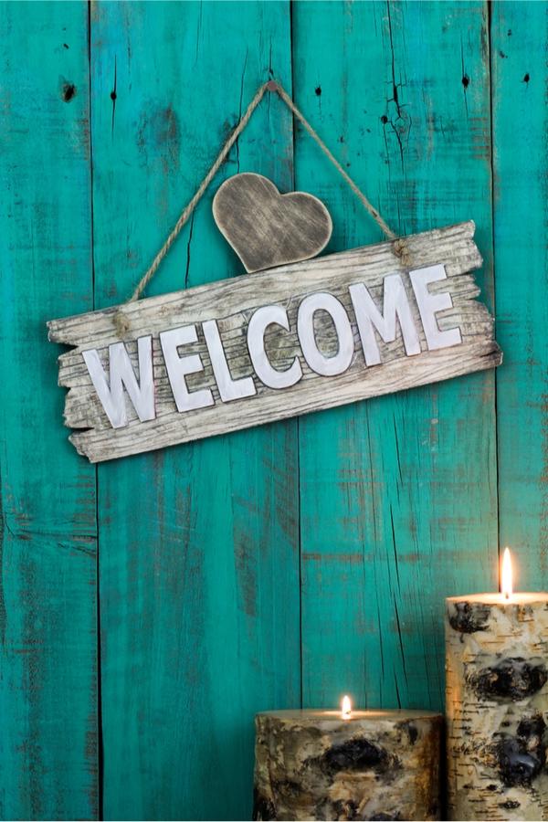 Rustic DIYs for Your Porch | outdoor decor | rustic diys | rustic diys for the porch | diy | rustic | rustic diy | decor | porch decor | rustic decor
