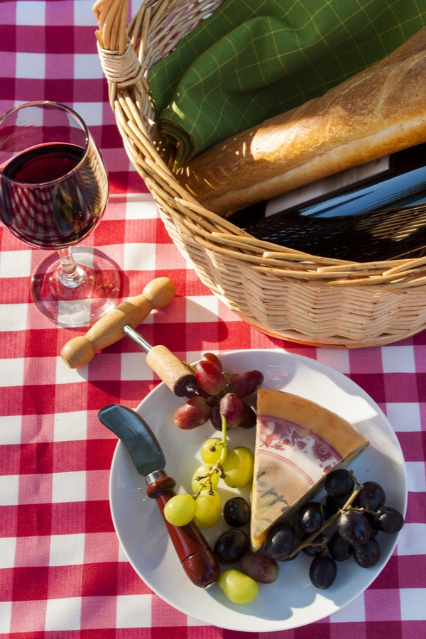 fall picnic ideas | fall | picnic | picnic ideas | rustic | rustic life | seasons