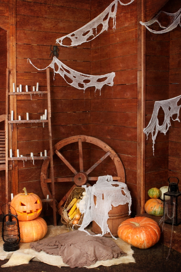 Halloween Party In a Barn | DIY Halloween | Halloween | holidays | Halloween party | party ideas