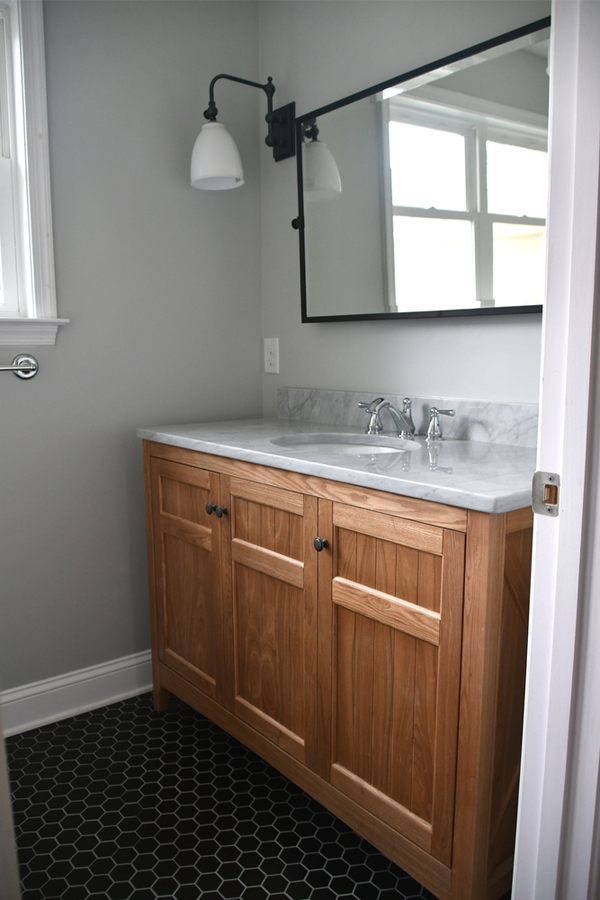 Looking for the perfect bathroom vanity? Check out these DIY pallet projects! Who knew you could make a bathroom vanity out of pallet wood?