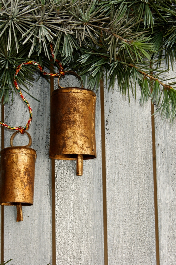 The holidays and jingle bells go together like peanut butter and jelly. Here are some amazing jingle bell garland ideas to add to your holiday decor!