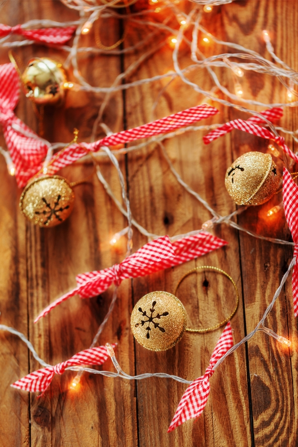 Everyone should add some jingle bells to their holiday decor. If you're looking for your next DIY project, look no further. Here are some jingle bell garland ideas you'll love!